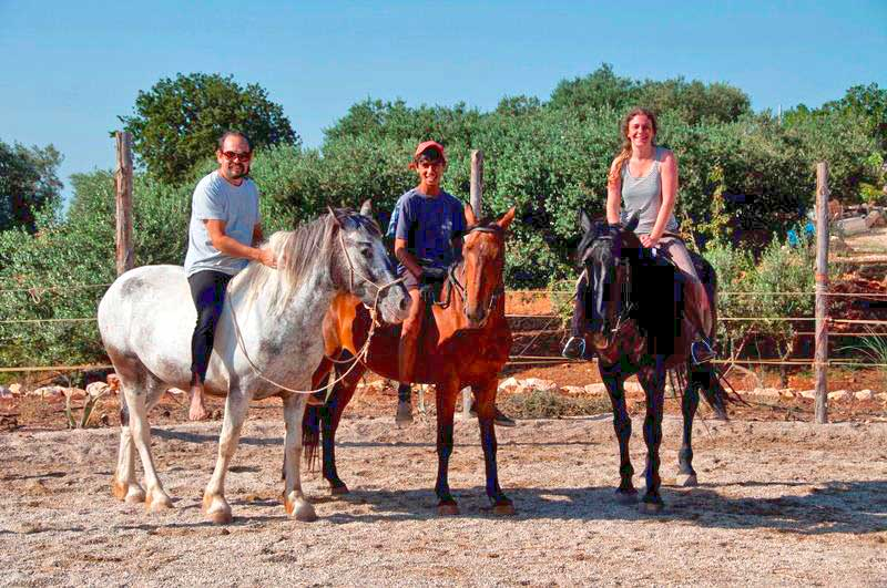 Riding horses at the Bed and Breakfast Rest of Wind Cisternino BR (Apulia)