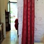 Trullo Lamia bed and breakfast particolare tenda e arredi tipici pugliesi