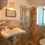 lamia double limestone bath